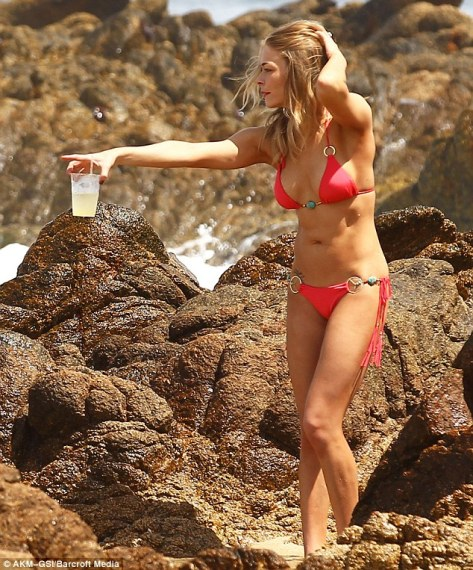 LeAnn Rimes - in Cabo San Lucas - 4/27/12