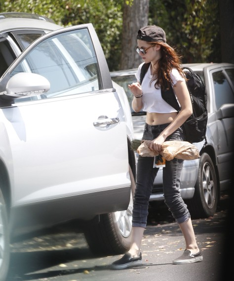 Kristen Stewart - Out and about in Los Angeles - 08/20/12