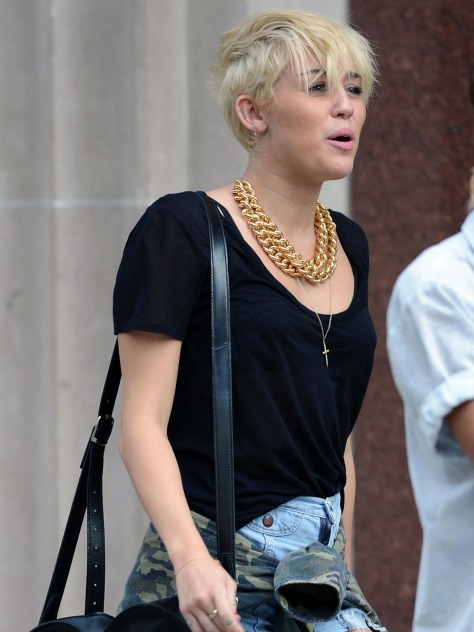Miley Cyrus out shopping in New York City
