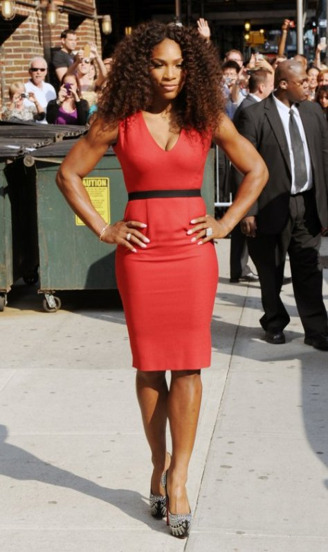 Serena Williams posing for fans outside of The Late Show with David Letterman