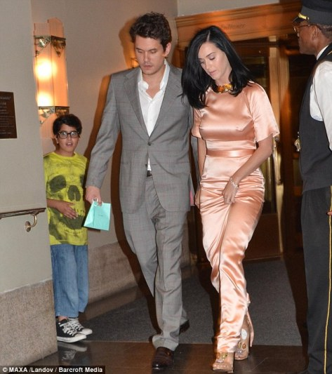 Katy Perry - Leaving her hotel in New York - 06/24/13