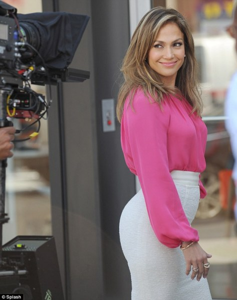 Jennifer Lopez - filming a commercial for Viva Movil in NY (6-15-13)
