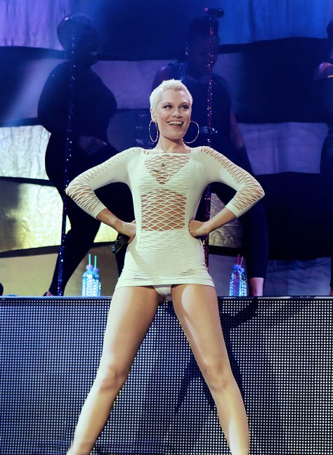 Jessie J - leggy - Radio City Live, Liverpool 7/27/2013